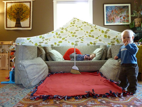 Couch-Cushion-Fort-061